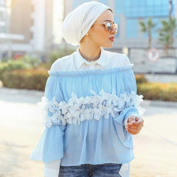 How to wear off shoulder tops as a hijabi